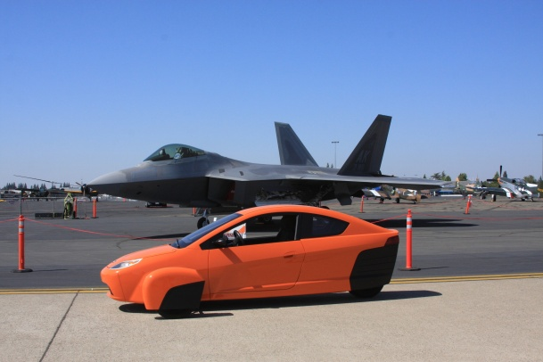 P4 next to the F-22